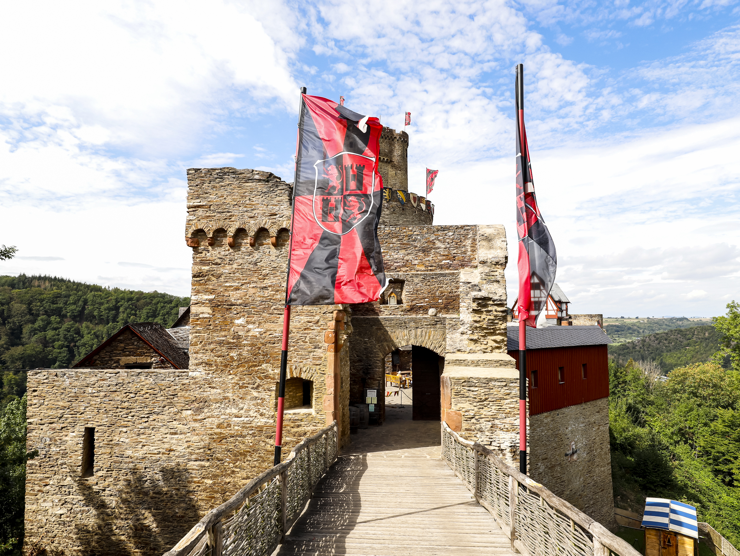 ehrenburg brodenbach mosel moselregion urlaubsregion wandern wanderung burg eltz